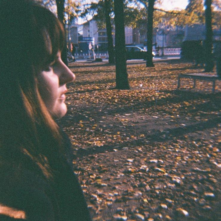 girl, selfie, selbstportrait, herbst, Berlin, Park brünett, licht